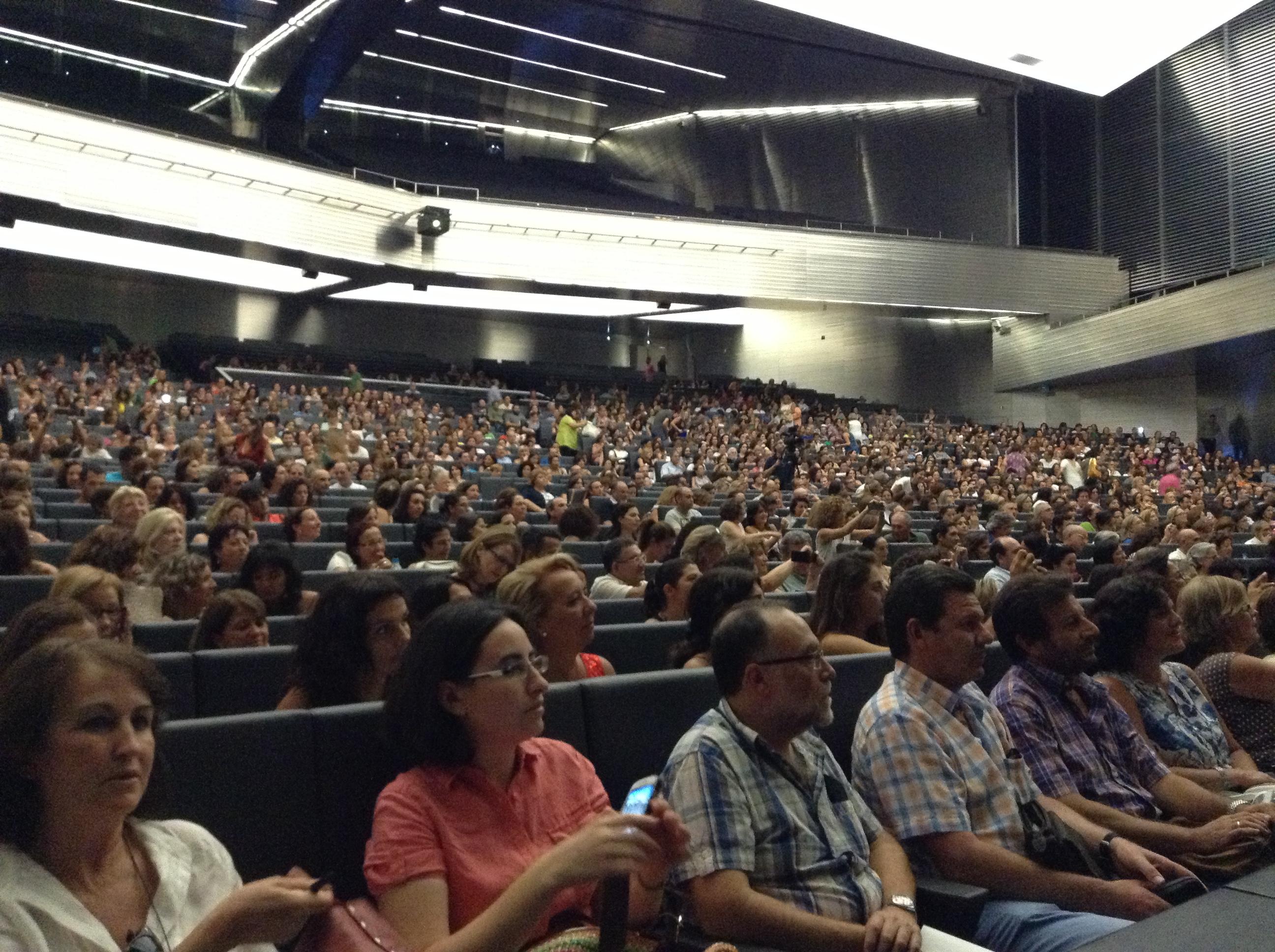 Público asistente a la conferencia. | L.C.